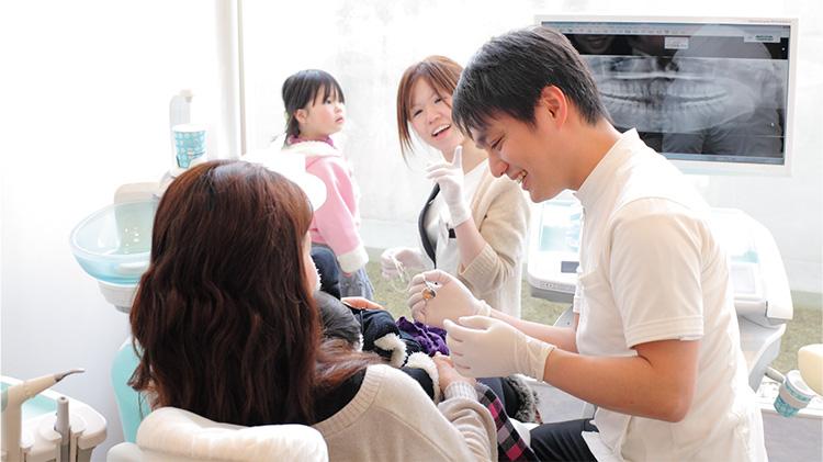 院長を含め医院の歯科医師が矯正治療が出来る為、何曜日でも、何時でも、対応可能です!
