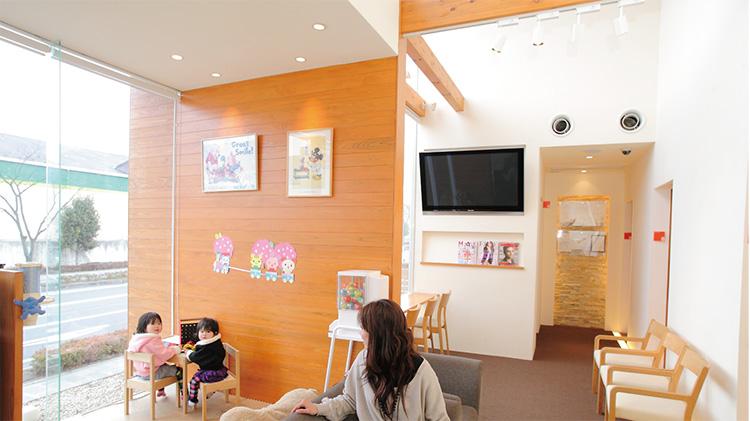 一般歯科・予防歯科・小児歯科も併設の為、虫歯治療、予防歯科、歯石取りなども全て当院で可能!